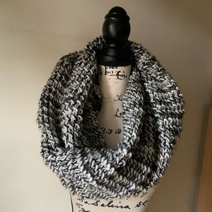 Express Chunky Knit Scarf